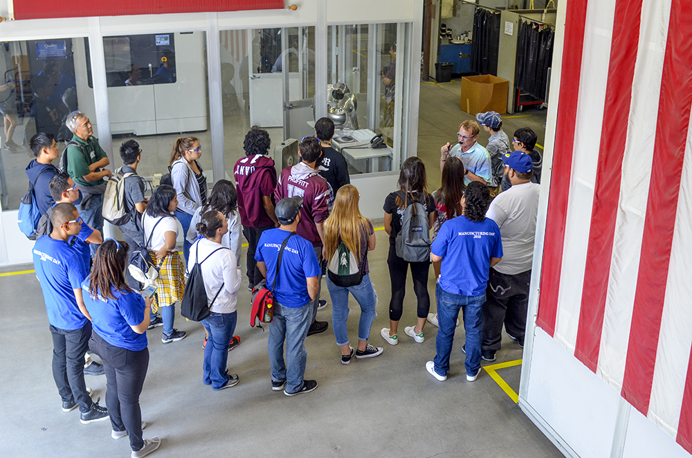 23 MFGDAY2018 web Stepping into Torrance
